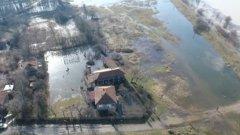 Подпочвените води в бедстващия град се покачват