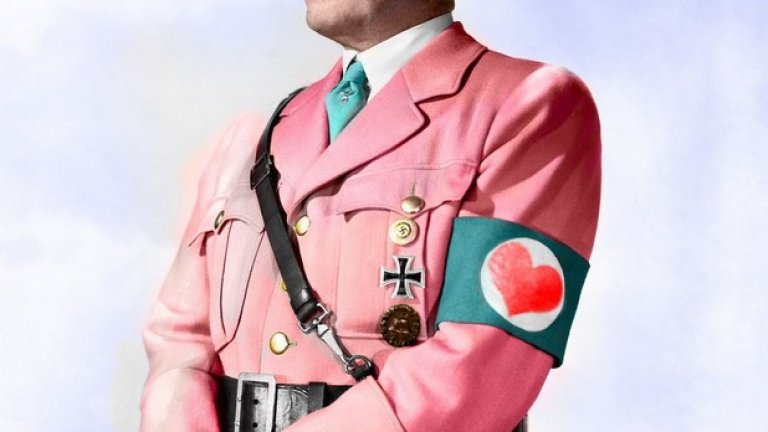 Сатиризирането на Хитлер се разклонява в разнообрази серии от картинки с надписи, гиф-чета, видеа, цитати, колажи