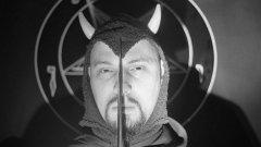 Антон ЛаВей през 1966-а създава своя собствена църква - Църквата на Сатаната. Идеята, базирана на чужди философски идеи и окултни ритуали, получава медийно внимание в една епоха, в която всичко екзотично е считано за интересно и модерно.