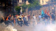 Протестите в Истанбул срещу унищожаването на парка Гези започнаха на 28 май, а по-късно прераснаха в по-бурни размирици