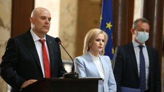 Установена е връзка между 4-те съмнителни случая на експлозии с опита трима български граждани да бъдат отровени