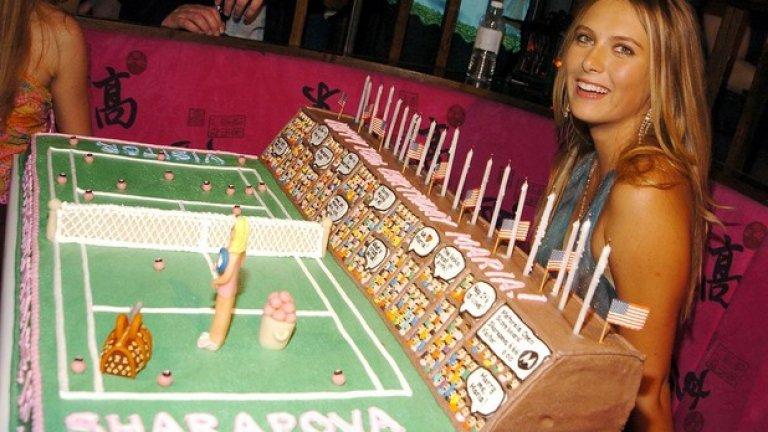 Торта за 18-ия й рожден ден от Motorola. Купонът е в Ню Йорк