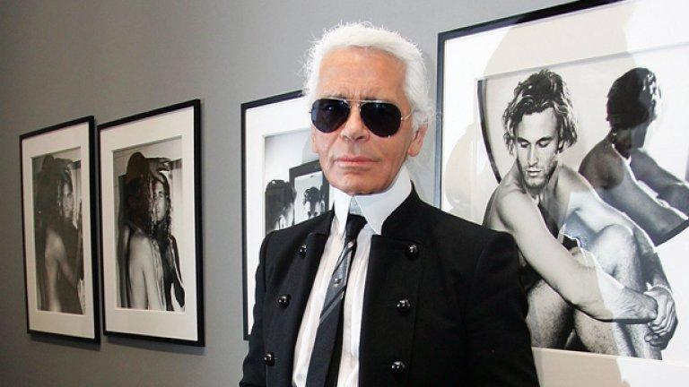 """Карл Лагерфелд  В света на модата той диктуваше трендовете повече от половин век. Германският дизайнер си извоюва световна слава благодарение на сътрудничеството си с френската модна къща """"Шанел"""", датиращо от 1983 г. Той превърна марката в една от най-ценените модни къщи. Неуморният дизайнер твореше колекции и за Фенди, както и за своя едноименен бранд - нещо нечувано за фешън нравите, като навсякъде наложи своя почерк. Той си отиде на 85 г. на 19 февруари 2019 г."""