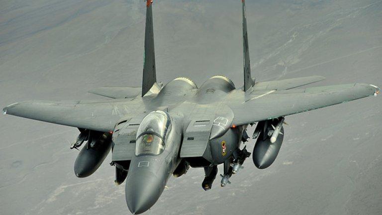 F-15E може много, както за борба срещу въздушен, така и срещу наземен противник.