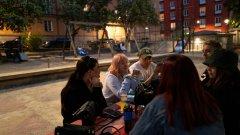 Зад либералния подход на страната започва да прозира изпуснатия от шведските власти контрол