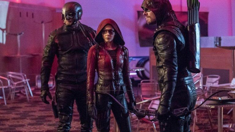 Сериалите от Arrowverse  Комикс-сериалите на CW са част от една обща вселена, така че ги слагаме на едно място. Петият сезон на The Flash започва на 9 октомври, 4-ият на Supergirl на 14 октомври, 7-ият на Arrow - на 15 октомври, а четвъртият на Legends of Tomorrow - на 22 октомври.