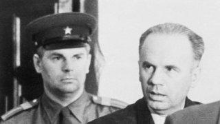 Олег Пенковски спасява света от ядрена катастрофа, но плаща с живота си