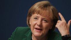 Ангела Меркел опита да оправдае вмешателството на службите в личния живот на милиони хора и това само ядоса още повече германците