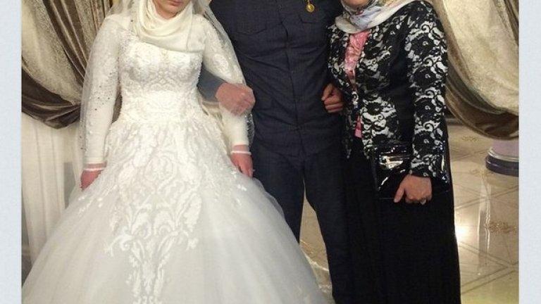 Двете жени на Гучигов се събраха на сватбата на 16 май