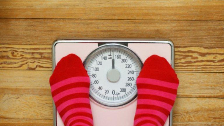 7. Проблеми с редукция и загуба на тегло Липса на протеин вхранителен режимможе да е сериозна предпоставка за загуба на мускулна маса. Това може да доведе до временен ефект върху загубата на килограми, но много често ще има дълготрайни здравословни последици от хормонална гледна точка и/или увреждане на метаболизма. Тези последици могат да направят застоя в загубата на килограми перманентен проблем, който е труден за решаване особено ако нямате нужните знания, за да се справите. Адекватният прием на протеин е известен с ползите си в редуциране на апетита, стимулиране на хормони, свързани с поддържането на здравословно тегло и редица други ползи.