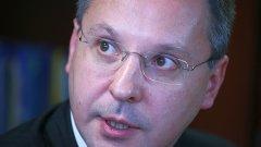 Лидерът на БСП Сергей Станишев беше предизвикан да се яви на местните избори в София след разгрома на партията му на изборите през юли 2009, но не посмя...