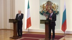"""Президентът Росен Плевнелиев даде съвместна пресконференция с президента на Италия Серджо Матарела преди срещата на на най-високо равнище на държавните ръководители на страните от групата """"Арайолуш"""""""