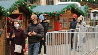 Вместо планираните три, засега остават само два базара - в Градската градина и край НДК