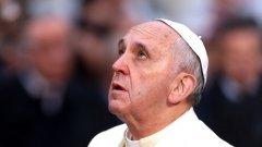 Папа Франциск призова хората да оставят телефоните настрана и да разговарят един с друг, докато са на масата и се хранят