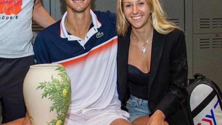 23-годишният Медведев и Дария имат връзка от пет години