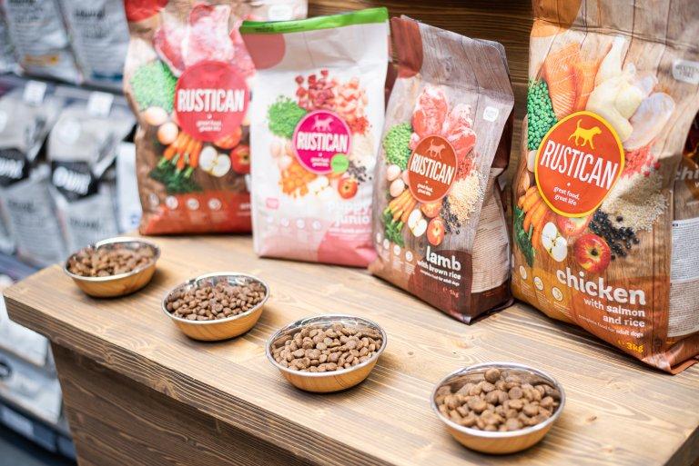 Намерете любимата храна за домашния си любимец и открийте нови марки!
