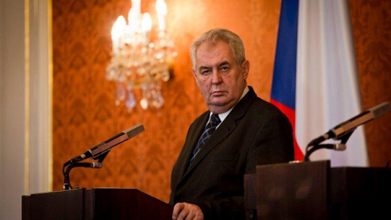 Земан е един от най-острите критици на западните санкции срещу Русия след анексирането на Крим и поддържа про-руска политическа линия в контраст с правителството в Чехия