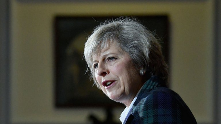 """Мей изключи възможността за предсрочни избори, отбелязвайки, че Великобритания има нужда от """"стабилност""""."""