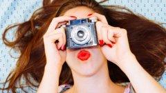 Повечето фотографски школи дори организират т.нар. фототрипове в екзотични места по света. Така най-неочаквано може още тази есен например да се озовете с апарат в ръка на някой плаж в Бали или в нечие тунизийско каменно жилище
