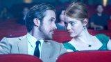 La La Land Романтичният мюзикъл на Деймиън Шазел, който срещна джаз пианиста Себастиан и кофи шоп сервитьорката Миа по пътя към холивудските им мечти, е сигурно един от най-красивите филми правени изобщо. Химията между Райън Гослинг и Ема Стоун е в състояние да пробие телевизионния екран, двамата са изящни като порцеланови статуетки, а саундтракът на мюзикъла е блаженство за изморения ни от неприятни новини слух.