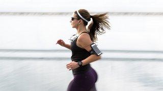 Ако се срамувате да стъпите във фитнеса или не знаете нищо за групите мускули, няма проблеми. За всичко има app-ове