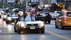 """Автомобилът на Джон Дилорън има проблемен дебют, а компанията DMC е обречена след една скандална сделка с наркотици. Но после идва филмът """"Завръщане в бъдещето""""..."""