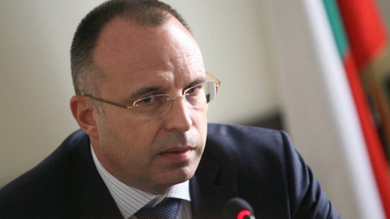 Земеделският министър отговори на Корнелия Нинова за пробите за чума в Странджа
