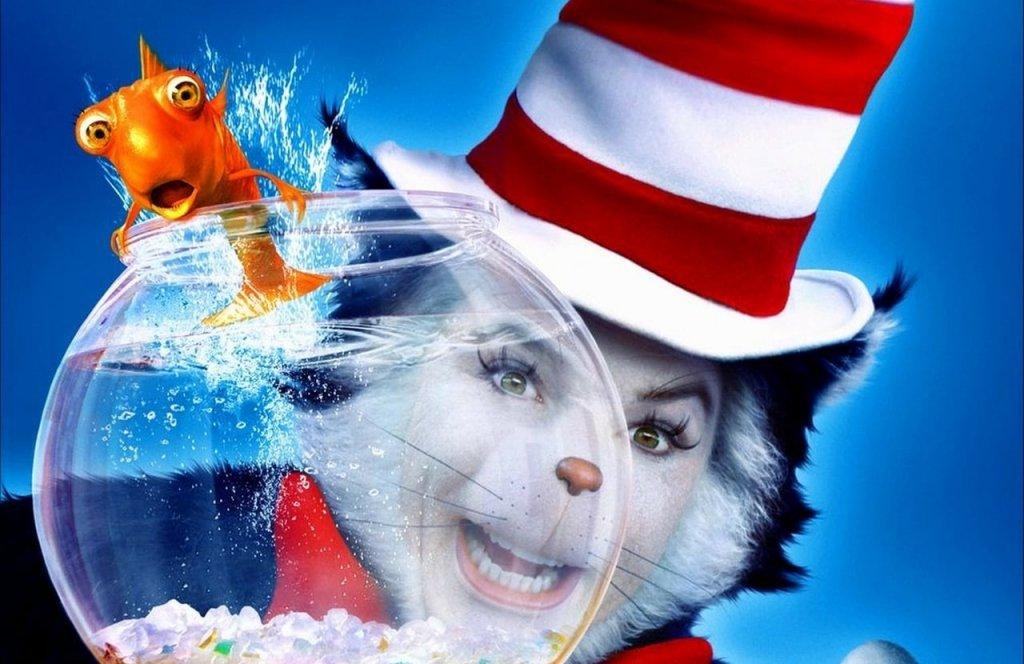 """В крайна сметка се стига до решение и то е Майърс да изиграе главния герой в комедията """"Котката с шапка"""" (The Cat in the Hat). Това е осъществено чрез костюм и грим по начин, сходен с """"Гринч"""" с Джим Кери. Меко казано, филмът е провал и е причината повече нито една книга на детския писател д-р Сюс да не бъде адаптирана в игрален формат."""