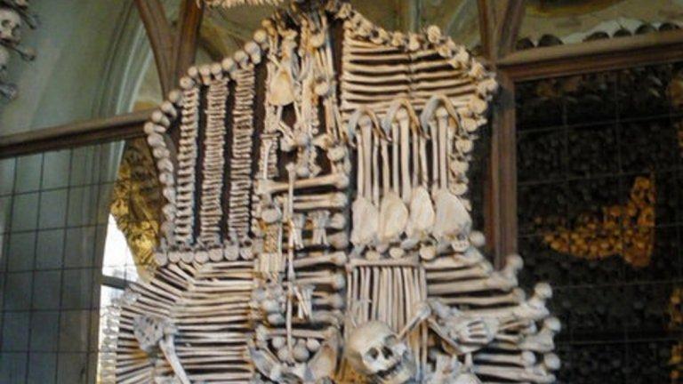"""История, мистериозност и смърт: Чешката """"Църква от кости"""""""