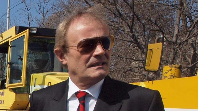 Във Варна се носят слухове, че Кирил Йорданов му се иска да се бори и за четвърти мандат...