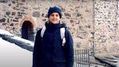 Карло Акутис развива уебсайтове в помощ на Католическата църква, преди да почине от левкемия през 2006 г.