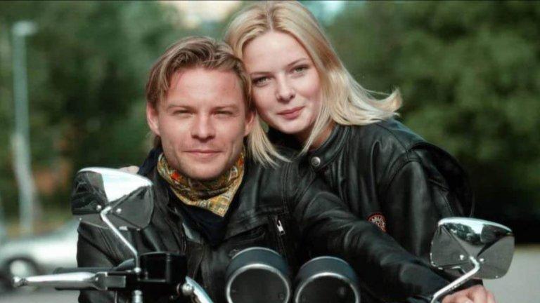 """От музиката към сапунената операФъргюсън е родена през 1983 г. в семейство на швед и британка, затова владее всеки от двата езика като майчин. Тя обаче няма амбиции да се занимава точно с кино и учи в музикалното училище на Адлоф Фредрик в Стокхолм, което завършва през 1999. В същата година обаче тя получава роля в шведската сапунка Nya tider (оценена със завидните 3.7 в IMDB), където играе момиче от богаташко семейство, което се влюбва в лошо момче в сюжет ала """"модерни Ромео и Жулиета""""."""