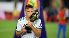 Бенасер бе избран за номер едно на завършилия наскоро турнир Купа на Африка.
