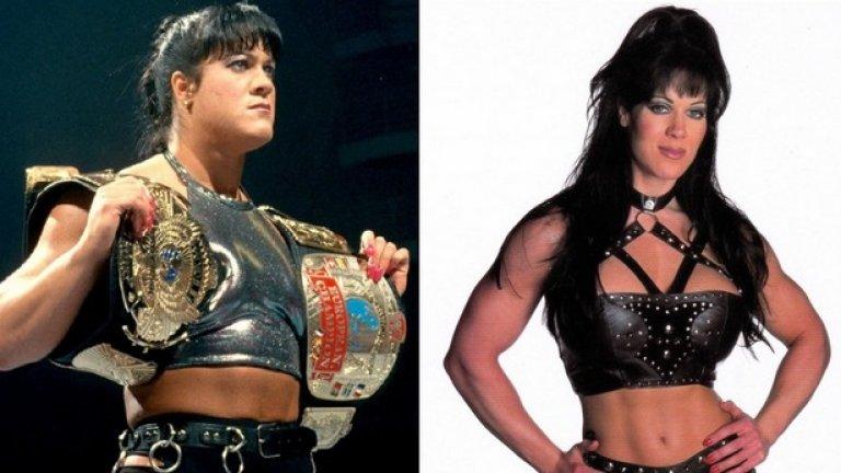 """На 21 април почина Чайна, едно от най-популярните лица в кеча през 90-те години. Джоан Лоурър, както беше нейното истинско име, бе открита мъртва в дома си. 46-годишната звезда беше част от известния кеч отбор """"Дегенерация Х"""", който Трите Хикса и Шон Майкълс създадоха през 1997 година. През 2001 година кечистката напусна WWE. Снима се за Playboy, а по-късно и във филми за възрастни. Причина за смъртта й е била сврхъхдоза наркотици."""
