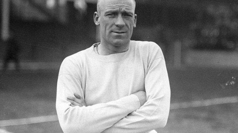 """Ерик Бруук, Манчестър Сити - 177 гола Играе за """"гражданите"""" в периода 1928-1939. Бруук се отличава със своята универсалност и освен голмайстор на тима, понякога застава и на вратата. Това би се харесало на Гуардиола."""