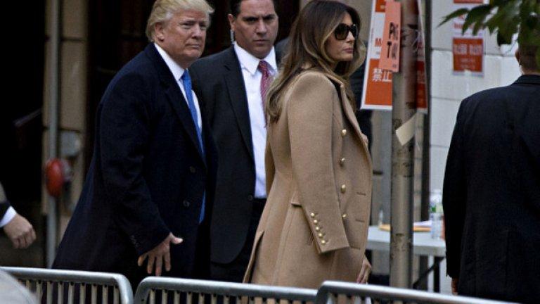 Той гласува заедно със съпругата си
