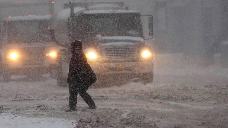 Жълт код за студ и вятър, пътната обстановка е усложнена