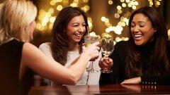 Броят на приятелите ни започва стабилно да спада в зряла възраст; има обаче начини да обърнем тенденцията
