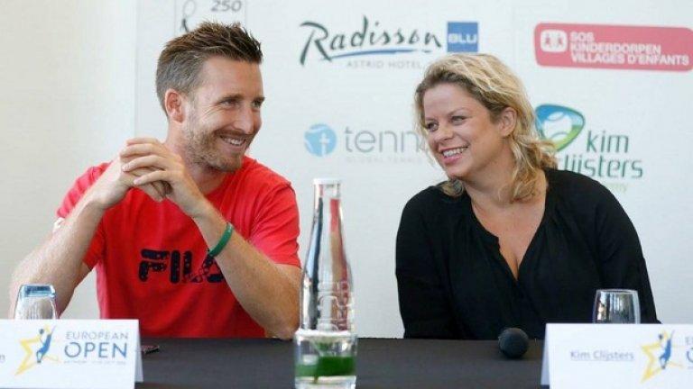 31-годишният треньор Максим Брекман ще се опита да счупи световния рекорд от 36 последователни мача, който беше поставен миналата година по време на Уимбълдън от Майк Мичъл. В негова подкрепа са European Open и тенис академията на Ким Клайстерс.  На снимката: Максим и Ким