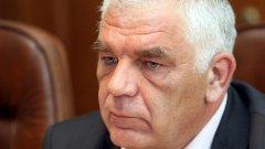 """Директорът на Агенция """"Митници"""" Ваньо Танов отчете, че се справят с акцизите на алкохола, но при цигарите и горивата """"все още е борба"""""""