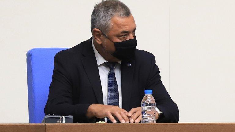 """Според лидера на НФСБ без подобно нещо """"разпространението на заразата става опасно, а здравеопазването рухва"""""""