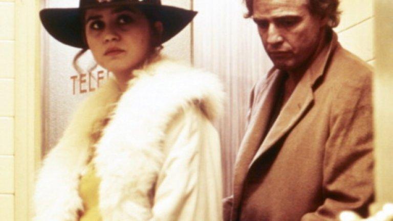 """Класика сред класиките """"Последно танго в Париж"""" (1972)  без съмнение e сред най-известните заглавия на 70-те години. Режисьор е Бернардо Бертолучи, участват Марлон Брандо и Мария Шнайдер. Това е филмът, събудил оживена дискусия относно секса и насилието в киното. Никое произведение на филмовото изкуство не е предизвиквало такъв интерес сред публика и медии, откакто сексуалната комедия  Promises! Promises! с Джейн Менфилд се появява през 1963-та. """"Последното танго"""" разказва за двама непознати, които се отдават на сексуална афера в Париж през 1972-ра..."""
