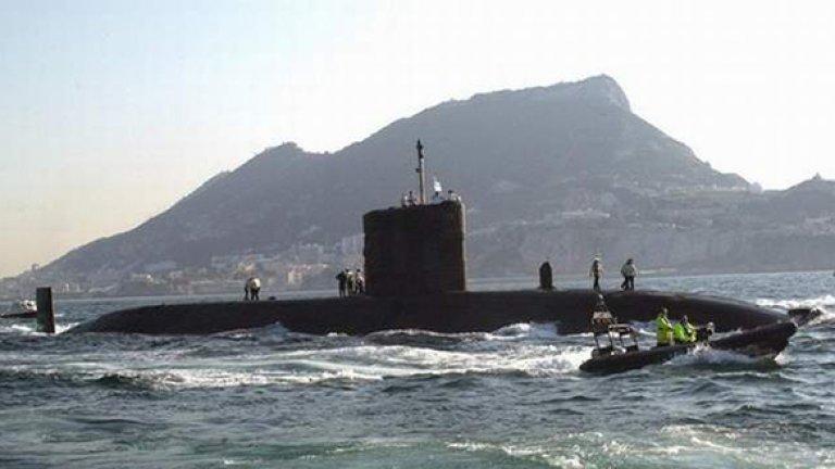В издирвателните дейности се включи и британската подводница HMS Tireless
