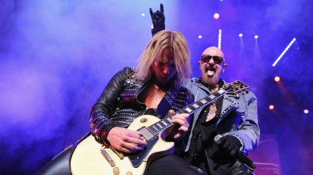"""Judas Priest - Epitaph World Tour (2012)  """"Излъгахме"""", призна китаристът Глен Типтън, след като стана ясно, че рекламираното като крайна точка турне на Judas няма да е финалът, а даже ще отбележи ново начало. """"Ричи Фолкнър е виновен, нека да обвиняваме него"""", добави певецът Роб Халфорд. Китаристът Фолкнър се присъедини към бандата след шокиращото напускане на предшественика Кей Кей Даунинг само два месеца преди първата дата от въпросното турне.   Judas получиха прилив на свежа енергия с присъединяването на Фолкнър, сътвориха нов албум Redeemer of Souls и го подкрепиха със световно турне от 129 концерта – така че бизнесът си продължава както обикновено, и то чак до тази година, в която Judas Priest ще отпразнуват своята 50-годишнина. За щастие, сега няма изгледи за ново прощаване."""
