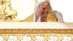 Открит бунт сред австрийските служители на Ватикана