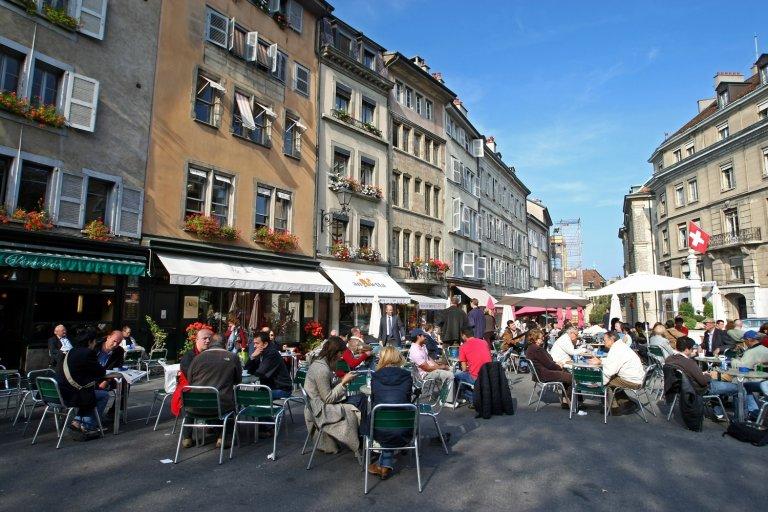 Минималната надница е добра новина за сервитьорите в Женева например, но не и за бизнесите.