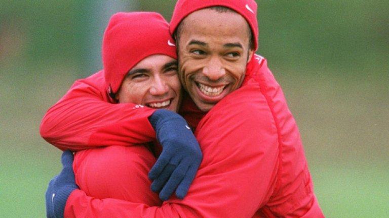 Тиери Анри и Хосе Антонио Рейес, Арсенал Двамата се намразиха от първия си ден в клуба, въпреки че пред медиите демонстрираха разбирателство. Испанецът играеше на поста на Анри и това изнерви французина.