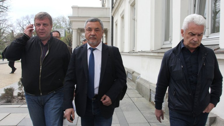 В момента председател на коалицията е Волен Сидеров