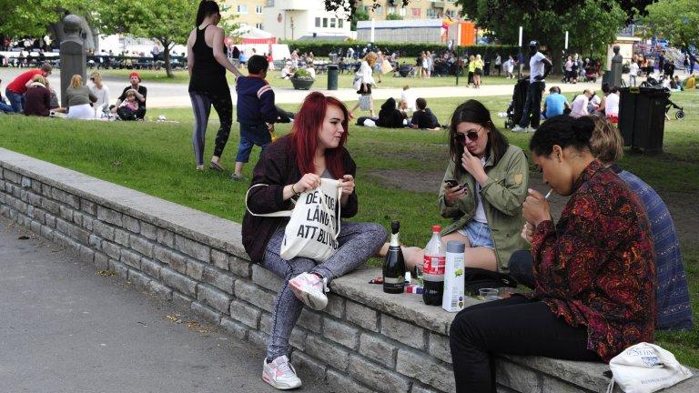 Българските ученици са на първо място по употреба на алкохол и цигари, но причината за това е от другата страна на същата монета
