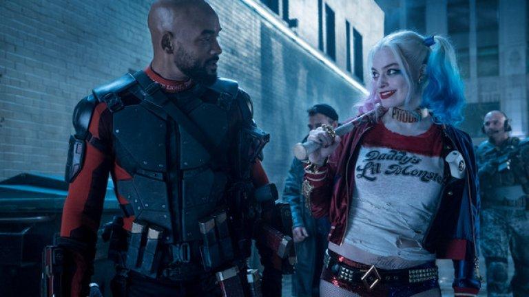 След излизането на филма феновете реагираха като ужилени на негативните рецензии. Изглежда, че някои фенове на DC се чувстват губещи в битката между комиксовите филми на Marvel и на DC – тъй като тези на Marvel обикновено получават по-високи оценки от кинокритиците
